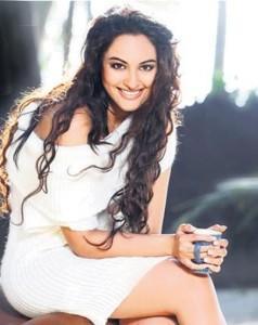 Sonakshi Sinha Curly Hair Sweet Smile Pic