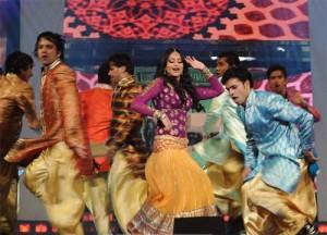 Sonakshi Sinha Dancing On The Stage