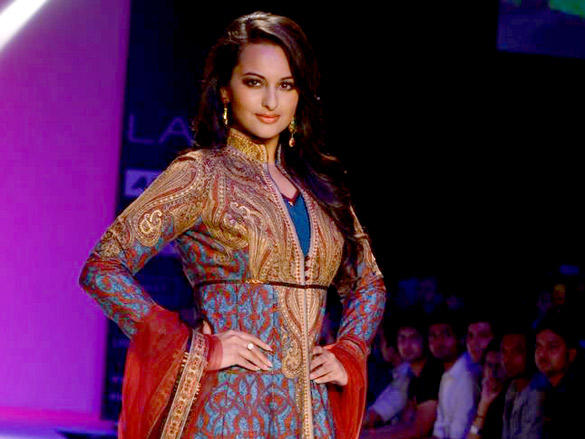 Sonakshi Sinha Ramp Walk At Lakme Fashion Week 2012 Day 4