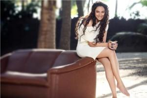 Sonakshi Sinha Sexy Milky Legs Pic Photo Shoot