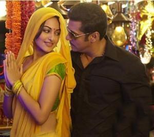 Sonakshi Sinha and Salman Romance Pic In Dabangg