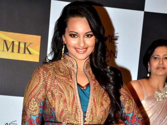 Sonakshi Sinha at Lakme Fashion Week  2012 day 4