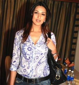 Sonali Bendre Cute Gorgeous Face Still