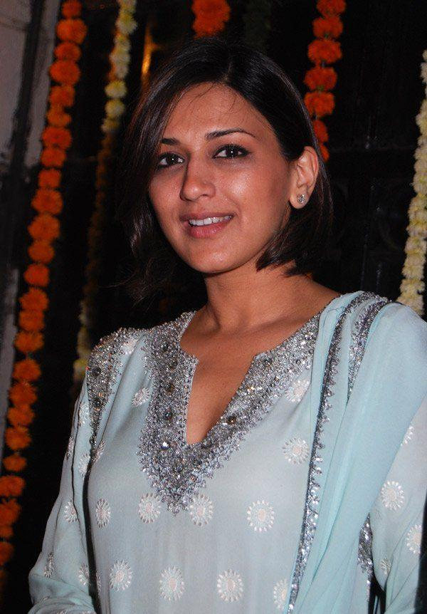Sonali Bendre Old Still