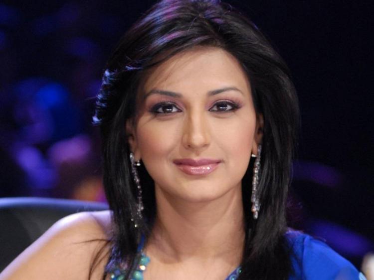 Sonali Bendre Sweet Face Look