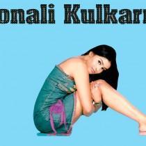 Sonali Kulkarni Spicy Look Wallpaper