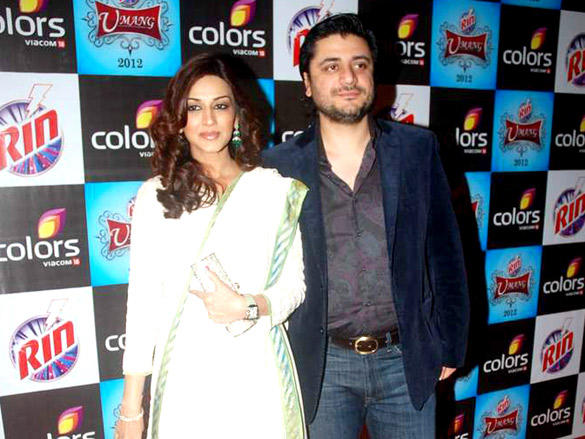 Sonali Bendre with husband at Umang 2012