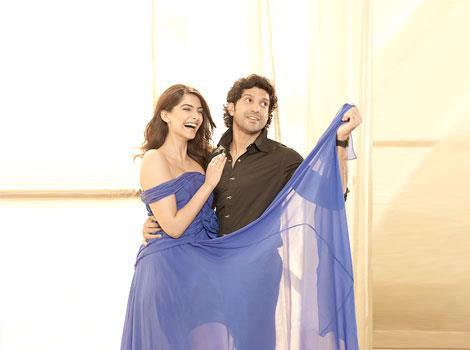 Sonam Kapoor,Farhan Akhtar Cute Photoshoot For HT Brunch