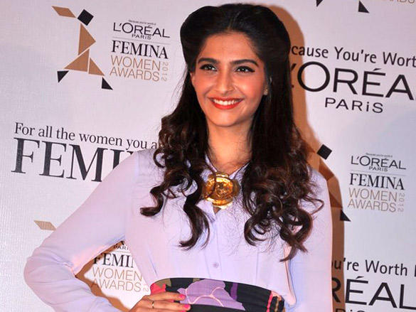 Sonam Kapoor Sweet Smile Pic at L'oreal Femina Women Awards 2012 Launch Event