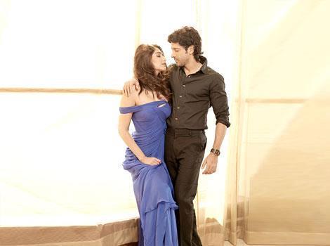 Sonam Kapoor and Farhan Akhtar Photoshoot For HT Brunch