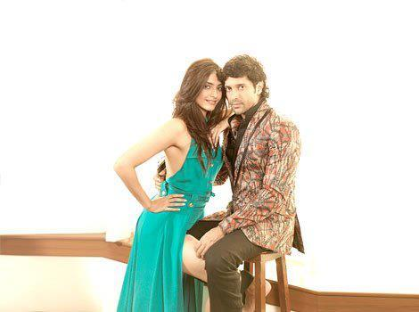 Sonam Kapoor and Farhan Akhtar Sexy Photoshoot For HT Brunch