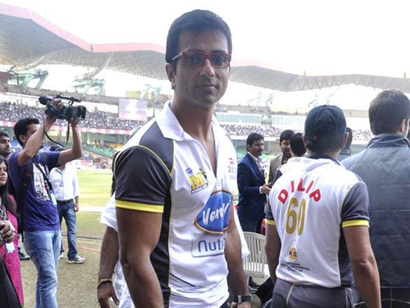 Sonu Sood at Mumbai Heroes CCl 2 match