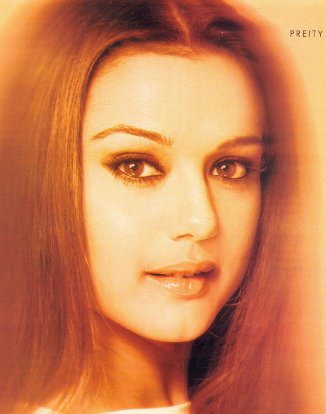 Spicy Actress Preity Zinta Wallpaper
