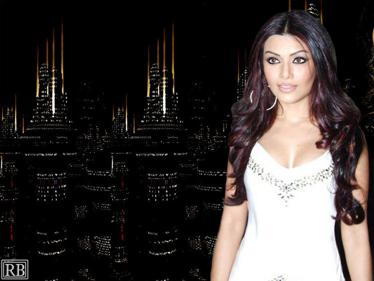 Spicy Koena Mitra Wallpaper