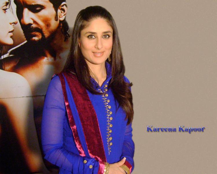 Stunning Beauty Kareena Kapoor Wallpaper