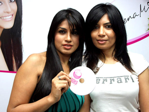Sunita Vhatkar,Aarti Puri Launch of new branch of Looks Cosmetic Clinic at Bandra