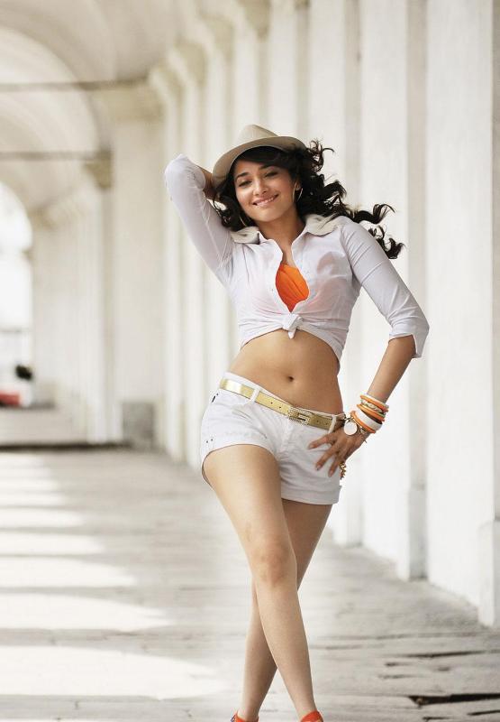 Tamanna Sexy Dance Stills From Badrinath