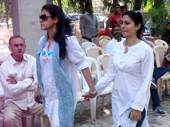 Tanisha,Kajol Devgan At Uncle Joy Mukherjee Funeral