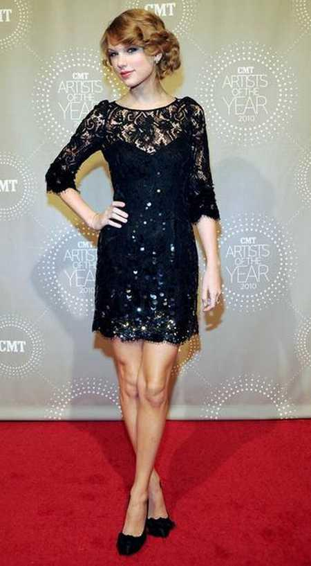 Taylor Swift Short Dress Still On Red Carpet