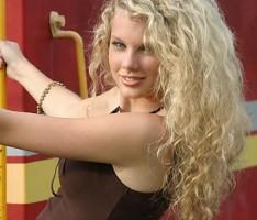 Taylor Swift White Curly Hair Still
