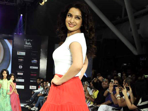 Tisca Chopra walks the ramp for Sonali Mansingka at 'India Kids