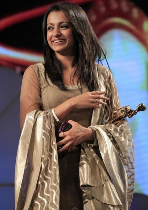 Trisha Gorgeous Smile Pic With Awards
