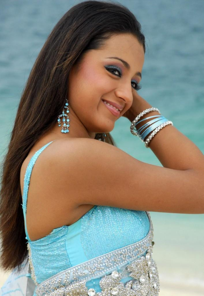 Trisha Latest Transparent Saree Pic on The Beach