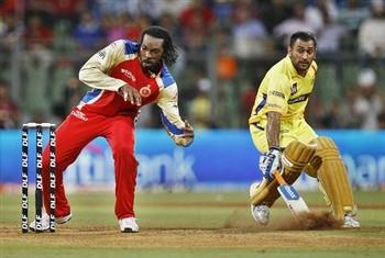 Twenty Cricket Match Dhoni Super Runing Photo