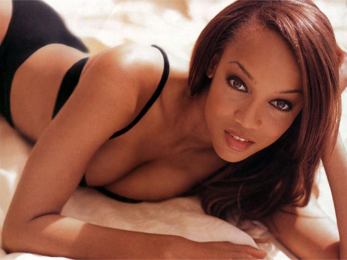 Tyra Banks Romantic Hot Look Stills