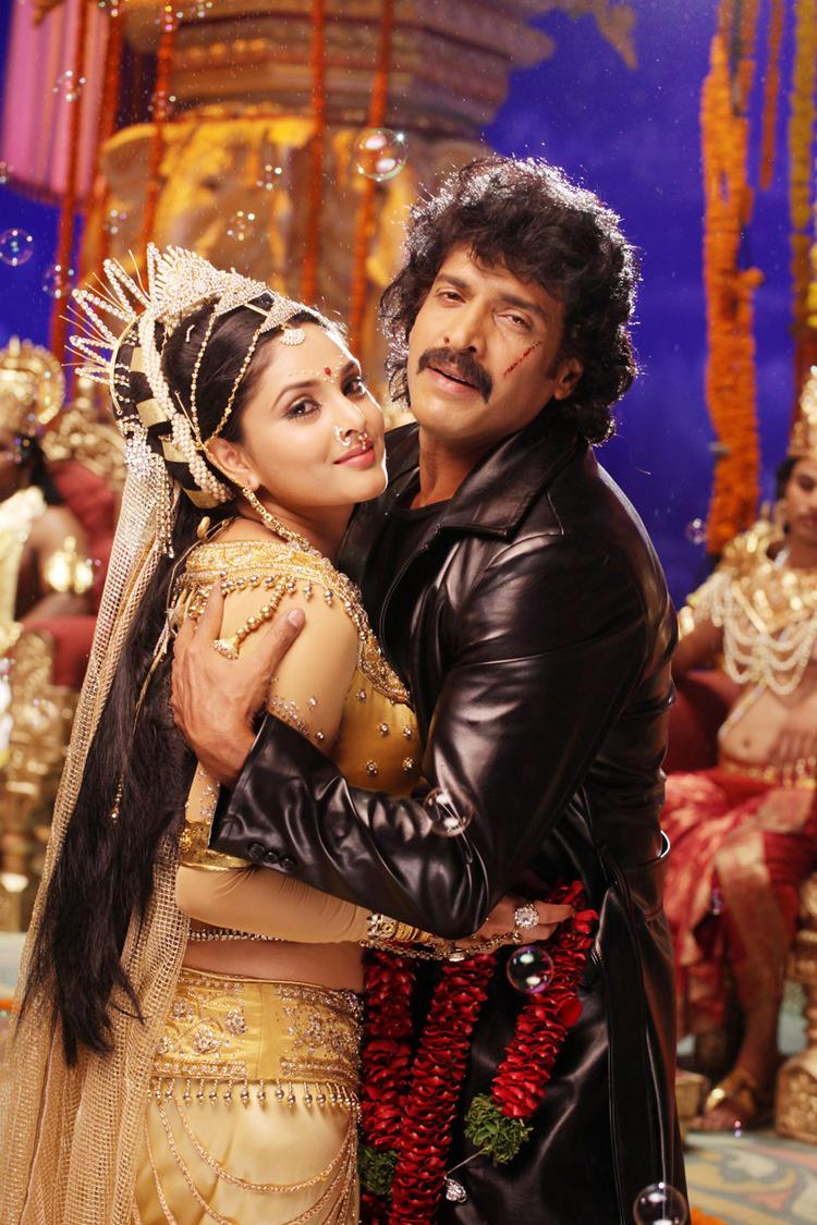 Upendra,Ramya Sexy Photo in Katari Veera Surasundarangi Movie