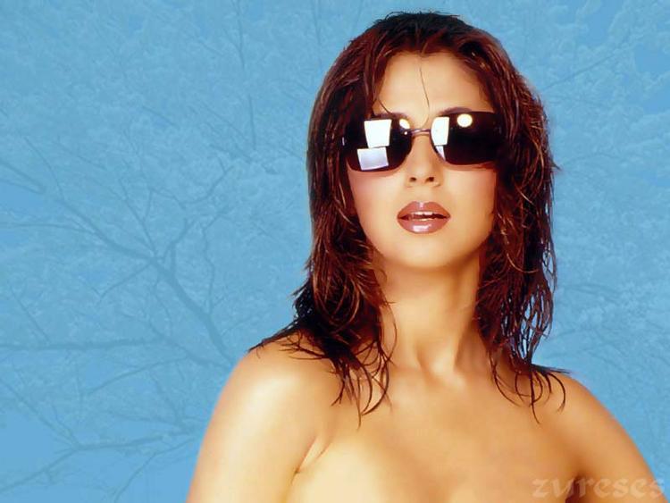 Urmila Madondkar Hot Stylist Glamour Wallpaper