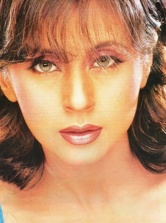 Urmila Matondkar Smoky Eyes and Wet Lips Wallpaper