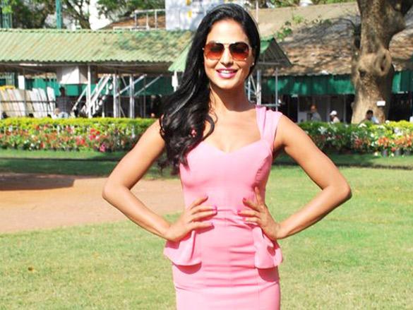 Veena Malik Stunning Pics