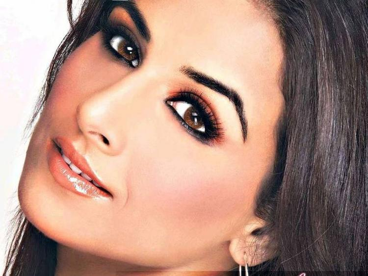 Vidya Balan Beautiful Eyes Look