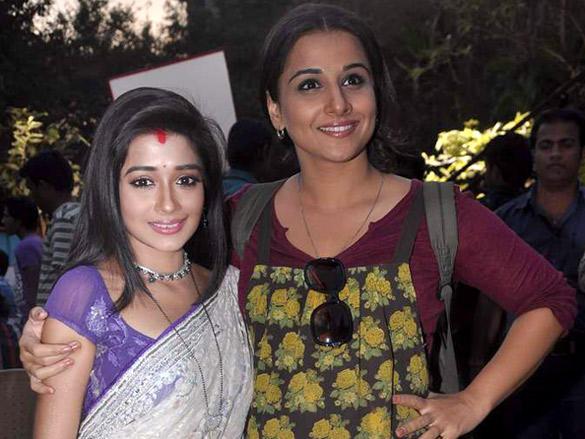 Vidya Balan posing with TV actress Tina Dutta  on the sets of Uttaran