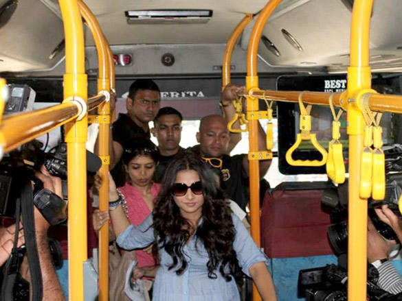 Vidya Balan takes bus ride to promote Kahaani