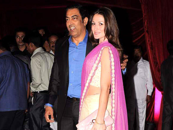 Vindu Dara Singh at  Riteish and Genelia's reception
