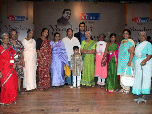 Vinod Khanna and Other Celebs at Dr Batra Concert