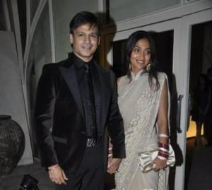 Vivek Oberoi and Priyanka Beauty Smile Pic