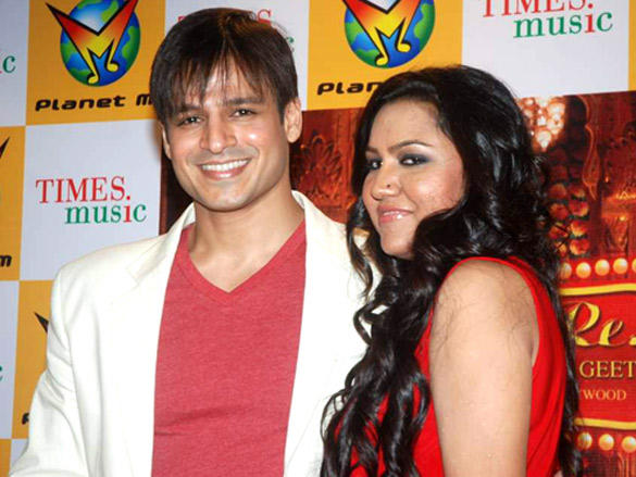 Vivek Oberoi launches Rajnigandha's album 'Banna Re..'