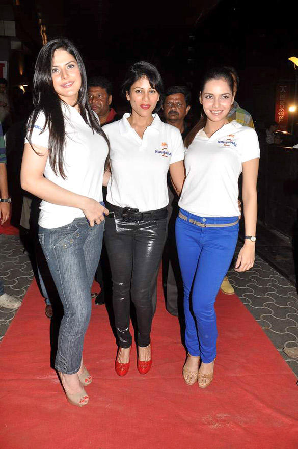 Zarine Khan,Shazahn at Special screening of Housefull 2