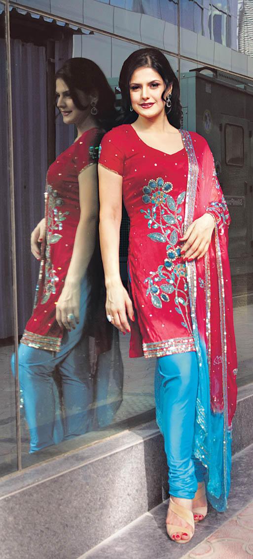 Zarine Khan Red Salwar Kameez Beauty Still
