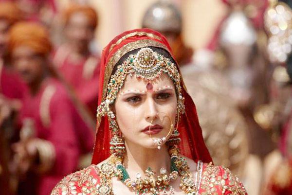 Zarine Khan Wedding Dress Still In Veer