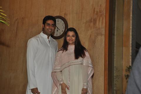 Abhishek Bachchan And Aishwarya Rai Pose for the Photographers