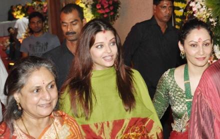 Pregnant Ashwairya with Jaya Bachchan at Sanjay Dutt's Mata Ki Chowki