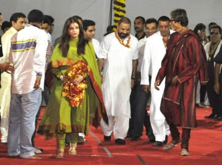 Pregnant Ashwairya with in-laws at Sanjay Dutt's place for Mata Ki Chowki..