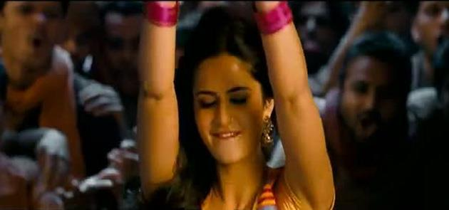 Kat Dances to Chikni Chameli