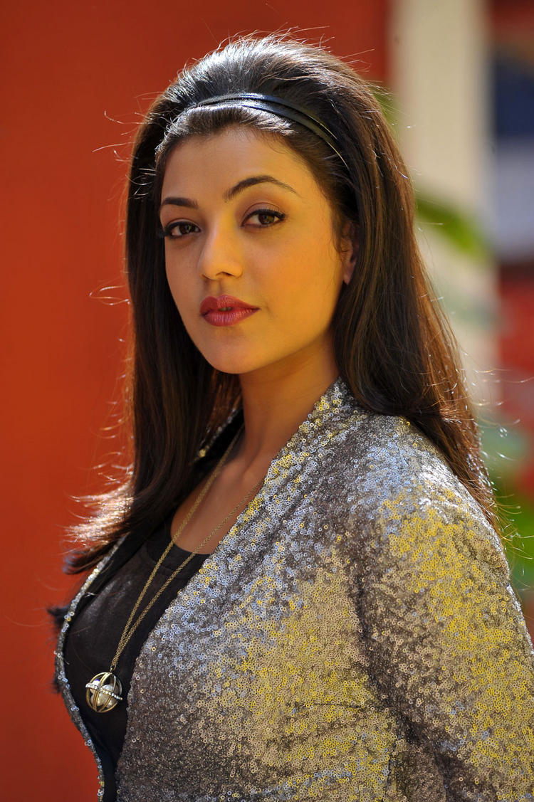 kajal agarwal BusinessMan Movie spicy still