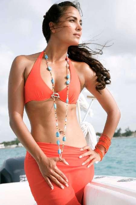 Lara in a Bikini