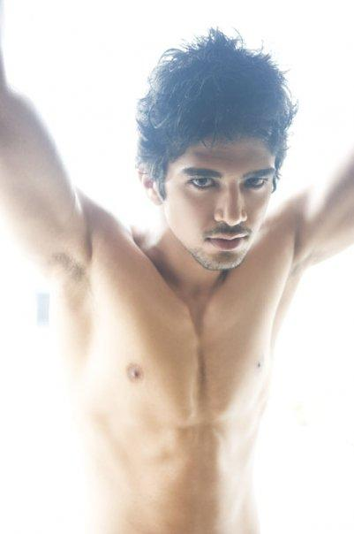 Saqib Saleem without Shirt